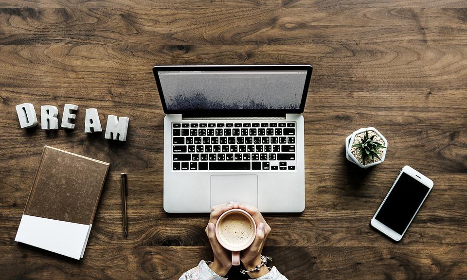 How can I make money blogging